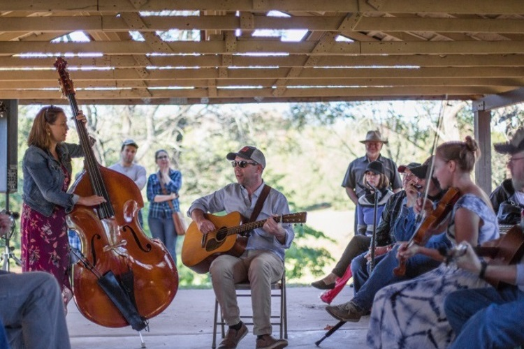 Open Bluegrass Jam hosted by Daniella Fischetti and Tim Ryan